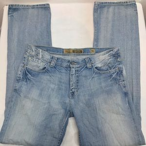 BKE Buckle Brayden Jeans Size 36X36 Light Wash.